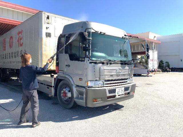 トラック洗車②